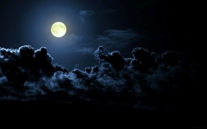 full-moon-clouds