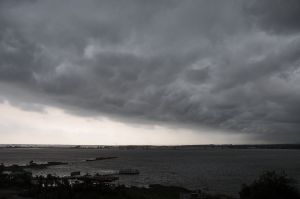 Heavy_clouds_over_Salt_Lake,_Calcutta