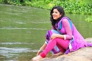 Deeksha-Seth-cute