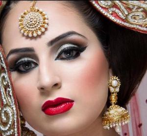 girl in eyeliner