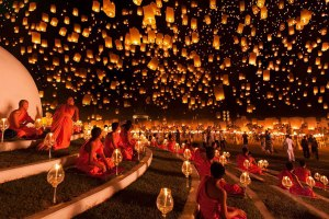 monks-sky-lanterns-thai