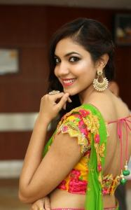 ritu-verma-in-saree-smiling-actress
